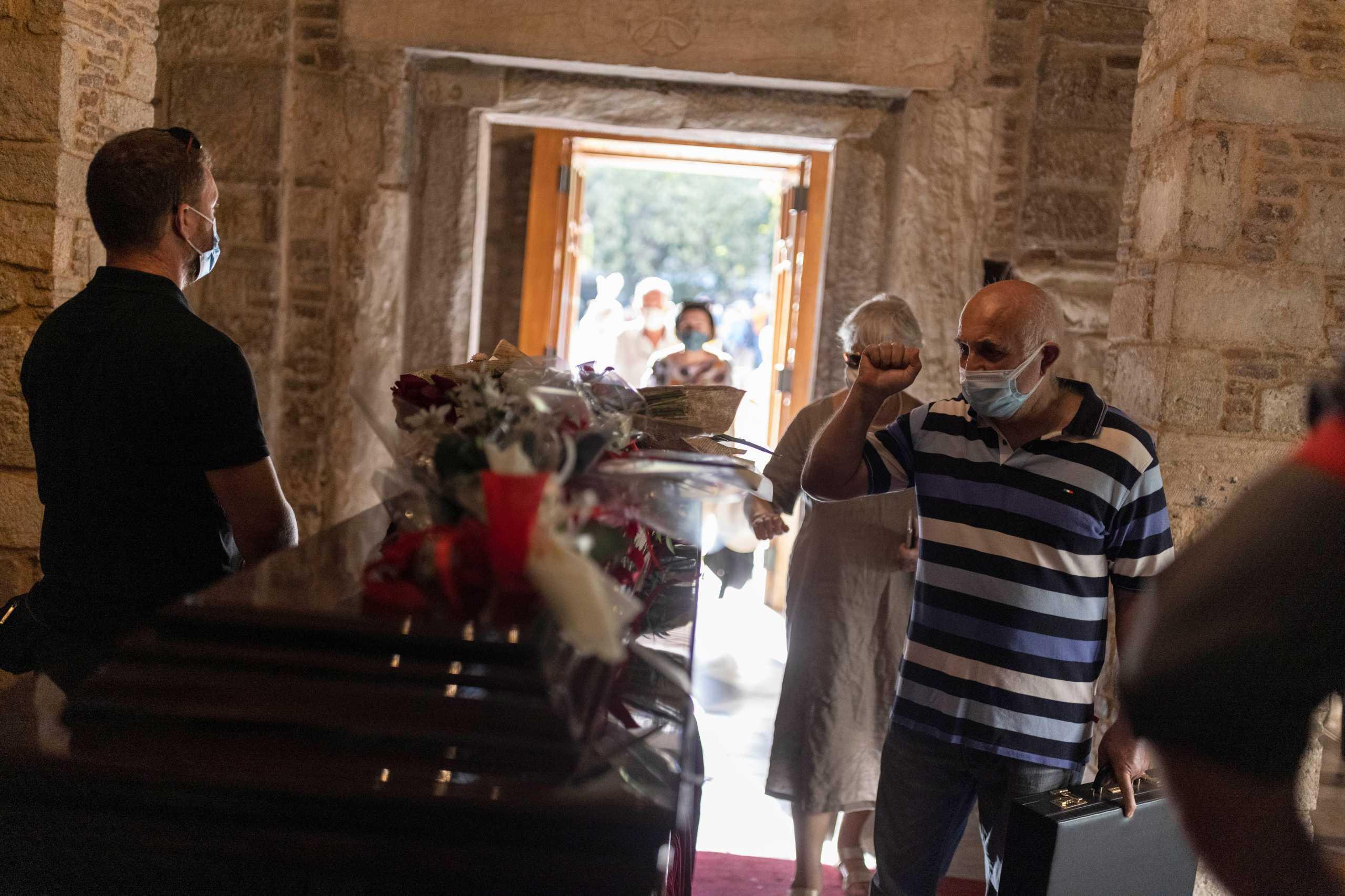 Μίκης Θεοδωράκης: Με δικαστική απόφαση η κηδεία του θα γίνει όπως επιθυμούσε ο ίδιος