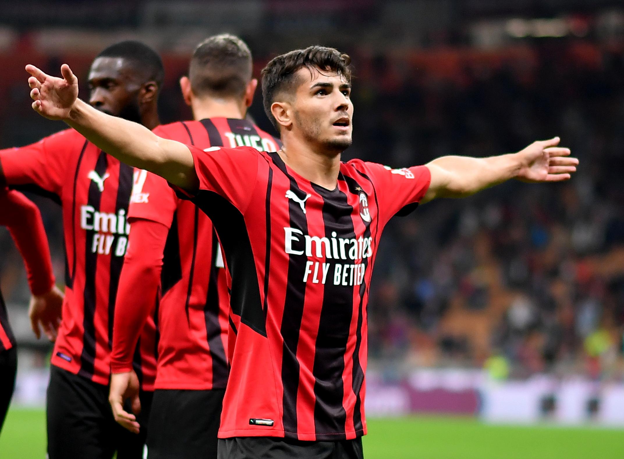 Μίλαν – Βενέτσια 2-0: Στην κορυφή του ιταλικού πρωταθλήματος οι ροσονέρι