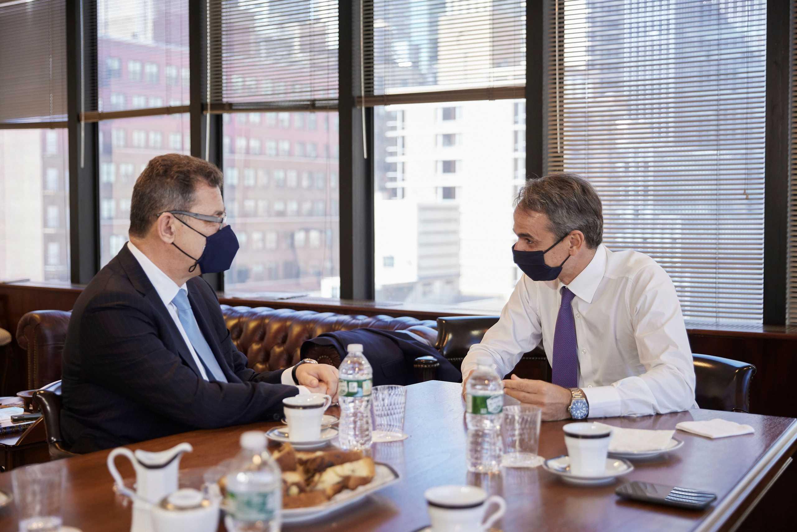 Κυριάκος Μητσοτάκης: Συνάντηση με τον Άλμπερτ Μπουρλά στη Νέα Υόρκη
