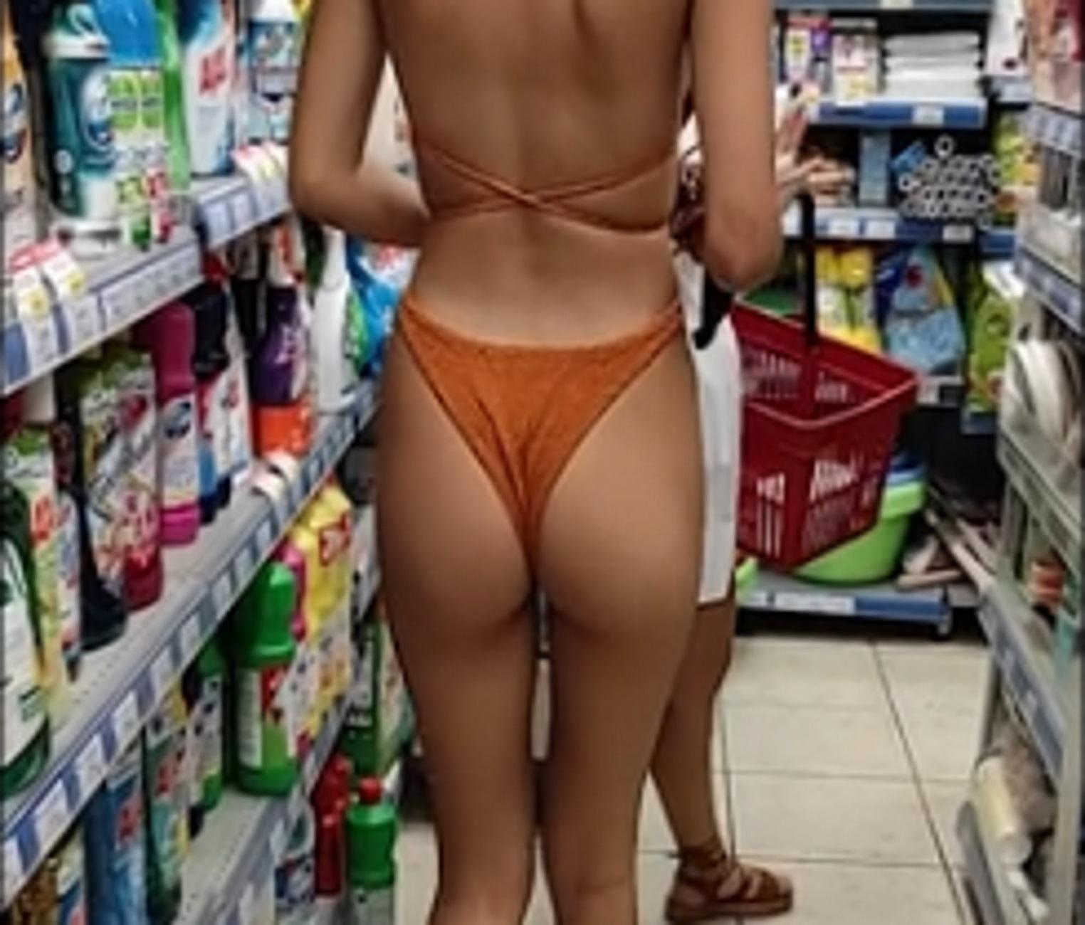 Μύκονος: Μπήκε να ψωνίσει έτσι στο σούπερ μάρκετ και οι πελάτες «έχασαν» τα αυγά και τα καλάθια