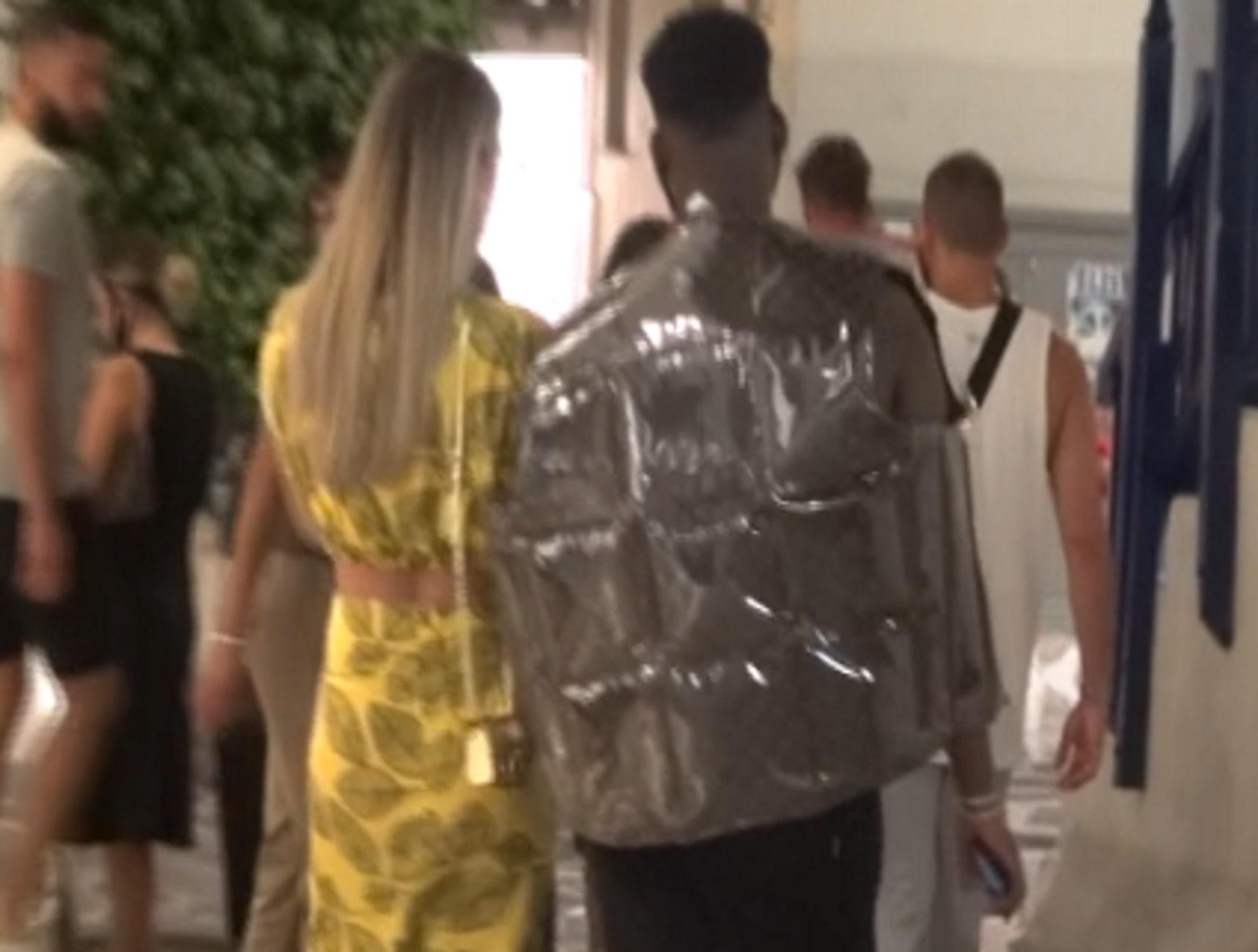 Μύκονος: Αυτό είναι το μπουφάν των 2.500 ευρώ που το φουσκώνεις μόνος – Η εμφάνιση της σεζόν
