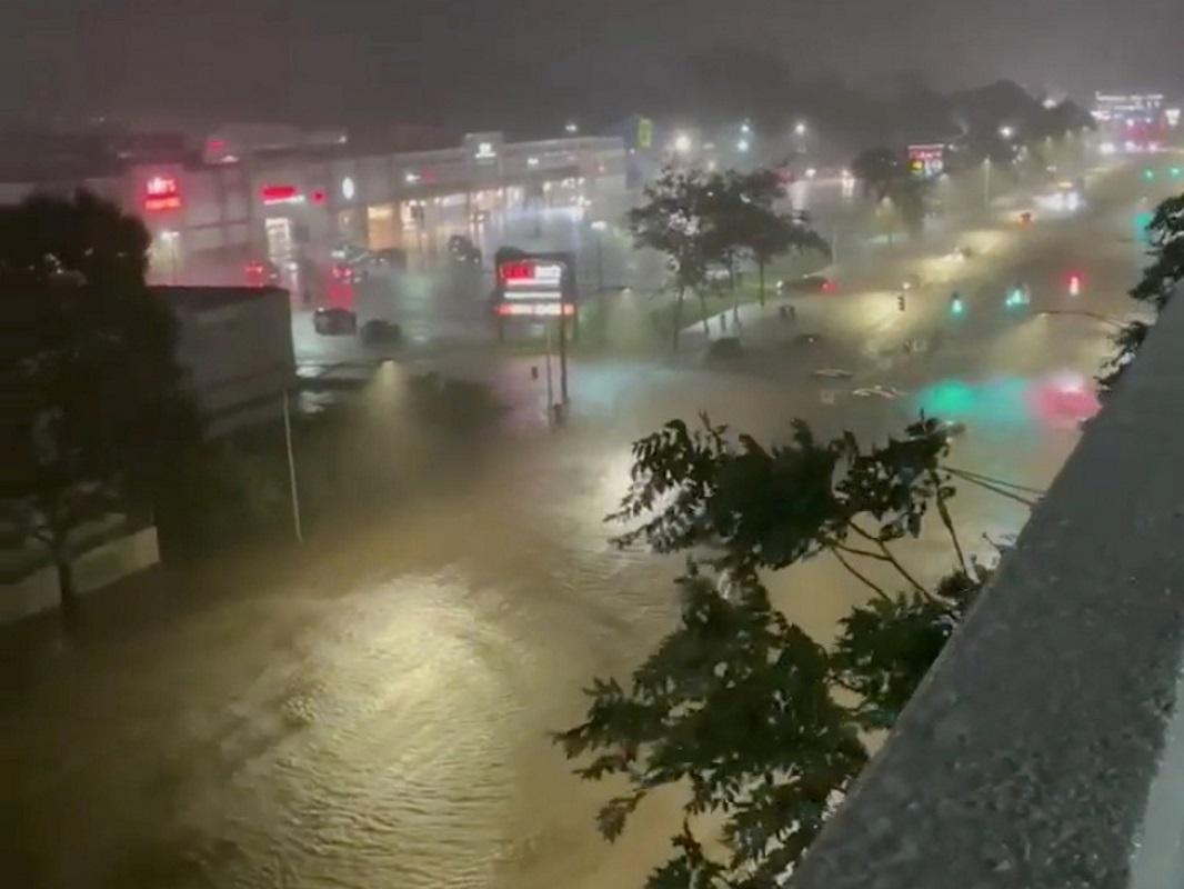 ΗΠΑ: Σε κατάσταση έκτακτης ανάγκης η Νέα Υόρκη – Ο  κυκλώνας Άιντα προκάλεσε βροχοπτώσεις-ρεκόρ