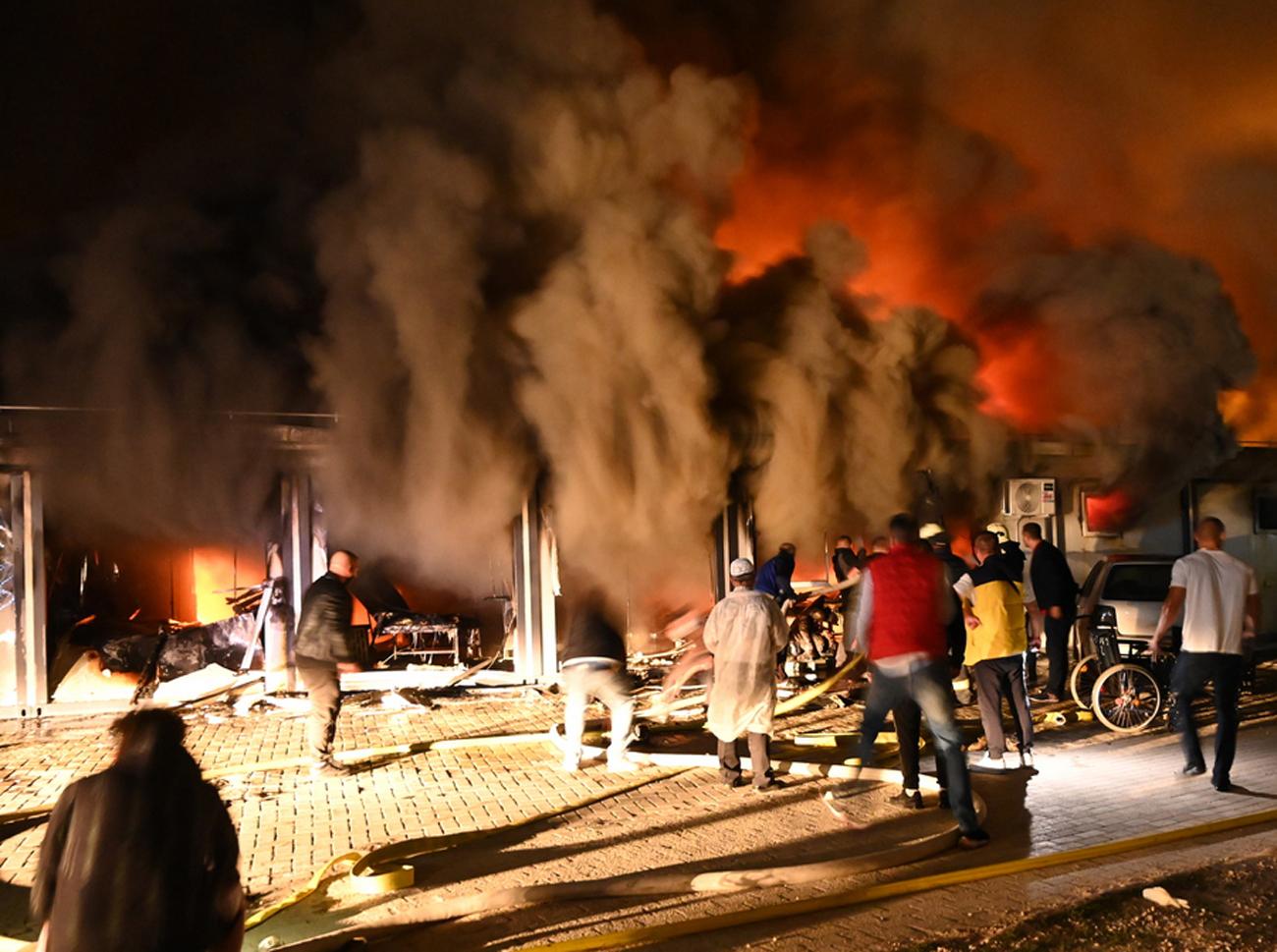 Βόρεια Μακεδονία: 14 οι νεκροί από τη φωτιά σε προκάτ μονάδα νοσοκομείου Covid-19