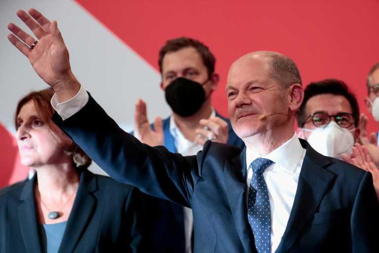 Εκλογές - Γερμανία: Υπέρ ενός συνασπισμού «φανάρι» ο Όλαφ Σολτς