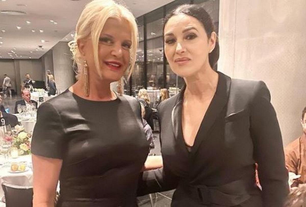 Μόνικα Μπελούτσι και Μαρίνα Πατούλη σε δείπνο με φόντο την Ακρόπολη