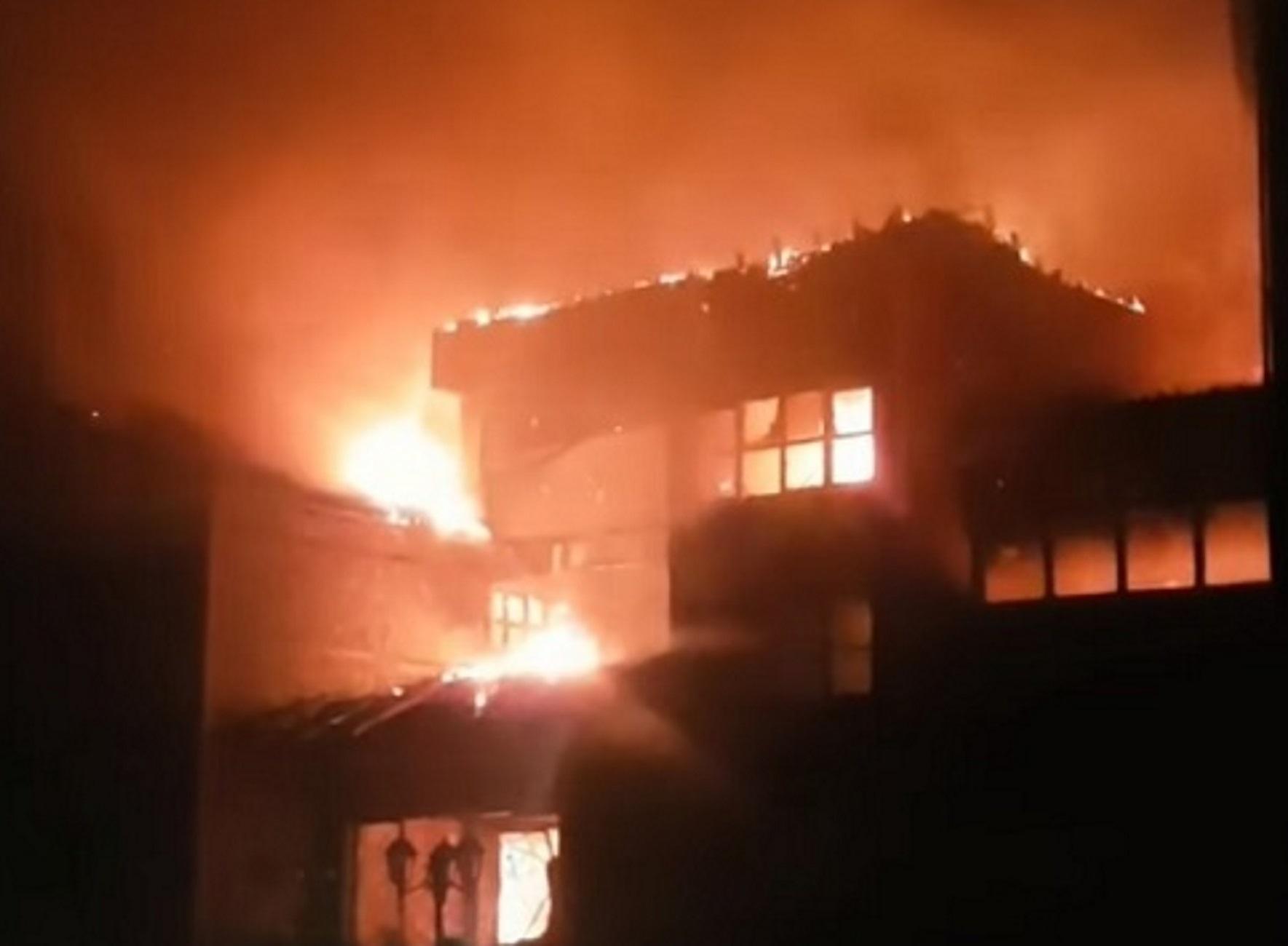 Πέλλα: Φωτιά κατέστρεψε ξενοδοχείο λίγο πριν τα εγκαίνια – Αποπνικτική η ατμόσφαιρα στην Έδεσσα