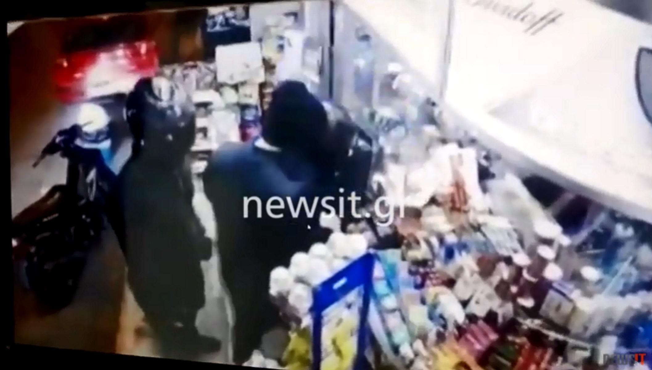 Βίντεο ντοκουμέντο: Ένοπλη ληστεία σε περίπτερο στην Καλλιθέα