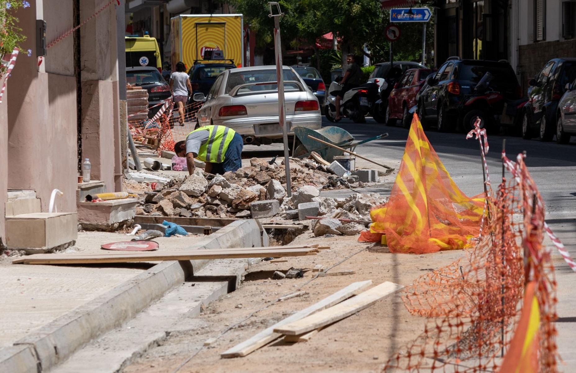Δήμος Αθηναίων: Φτιάχνονται 410 νέα πεζοδρόμια στις γειτονιές – Δείτε φωτογραφίες