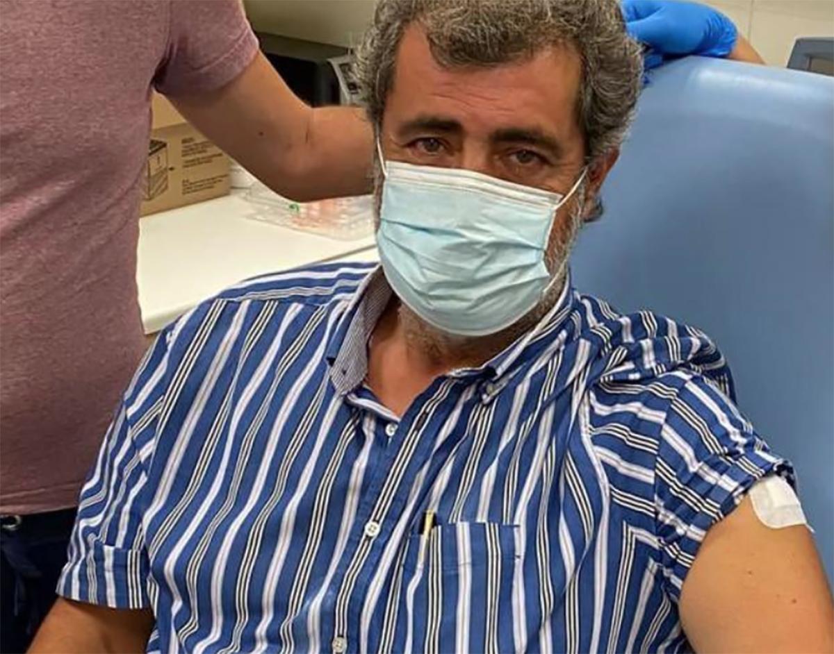 Από Πολάκης έγινε Μπολάκης: Γλέντι στο twitter με τον εμβολιασμό του