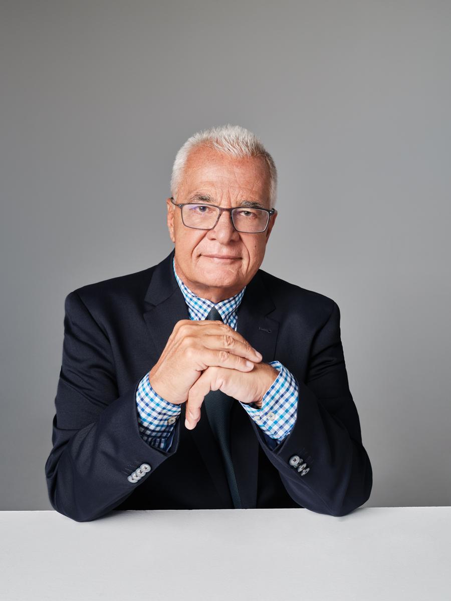 Ο Γιάννης Πρετεντέρης βασικός σχολιαστής στα MEGA Γεγονότα