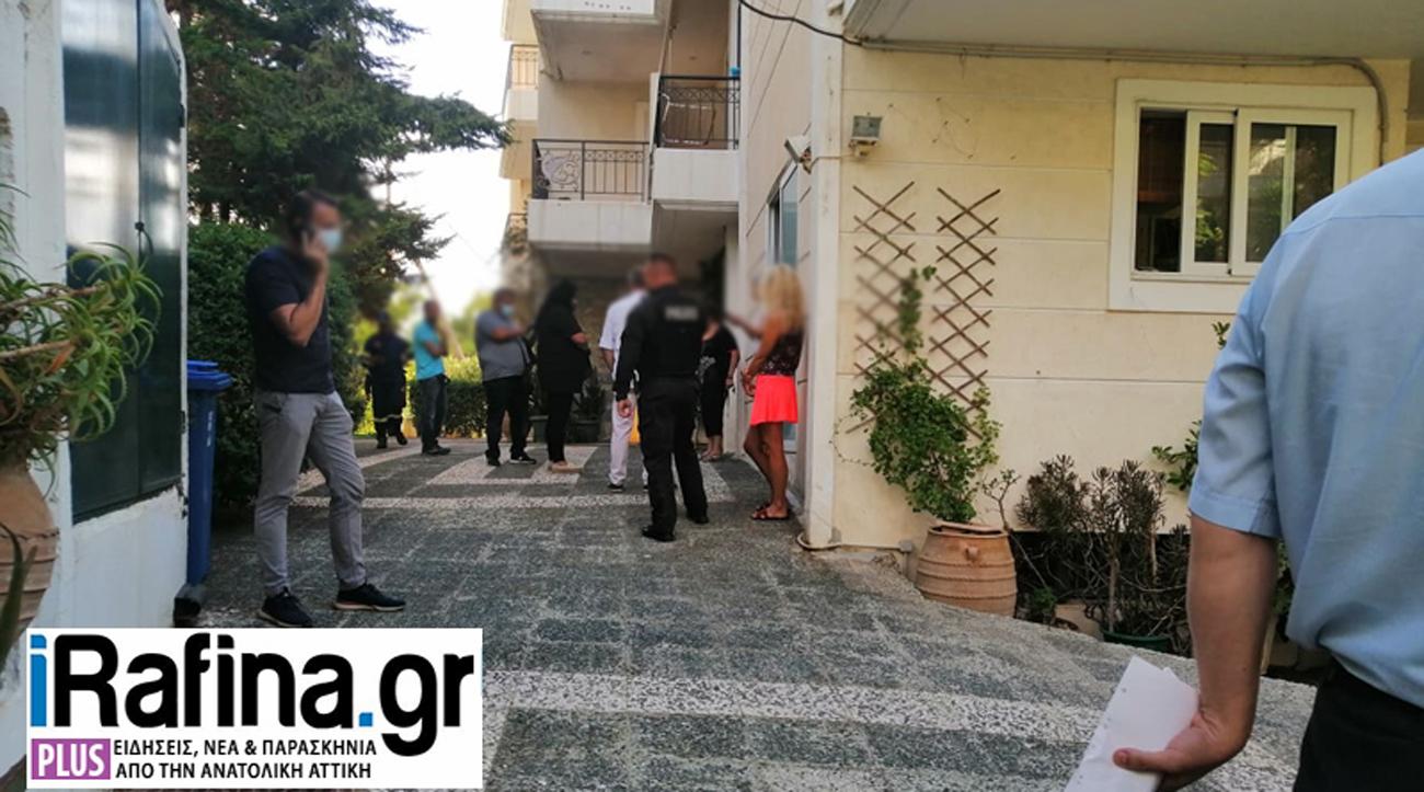 Φρίκη στη Ραφήνα: Βρήκαν 44χρονο κρεμασμένο και φιμωμένο σε μπαλκόνι πολυκατοικίας