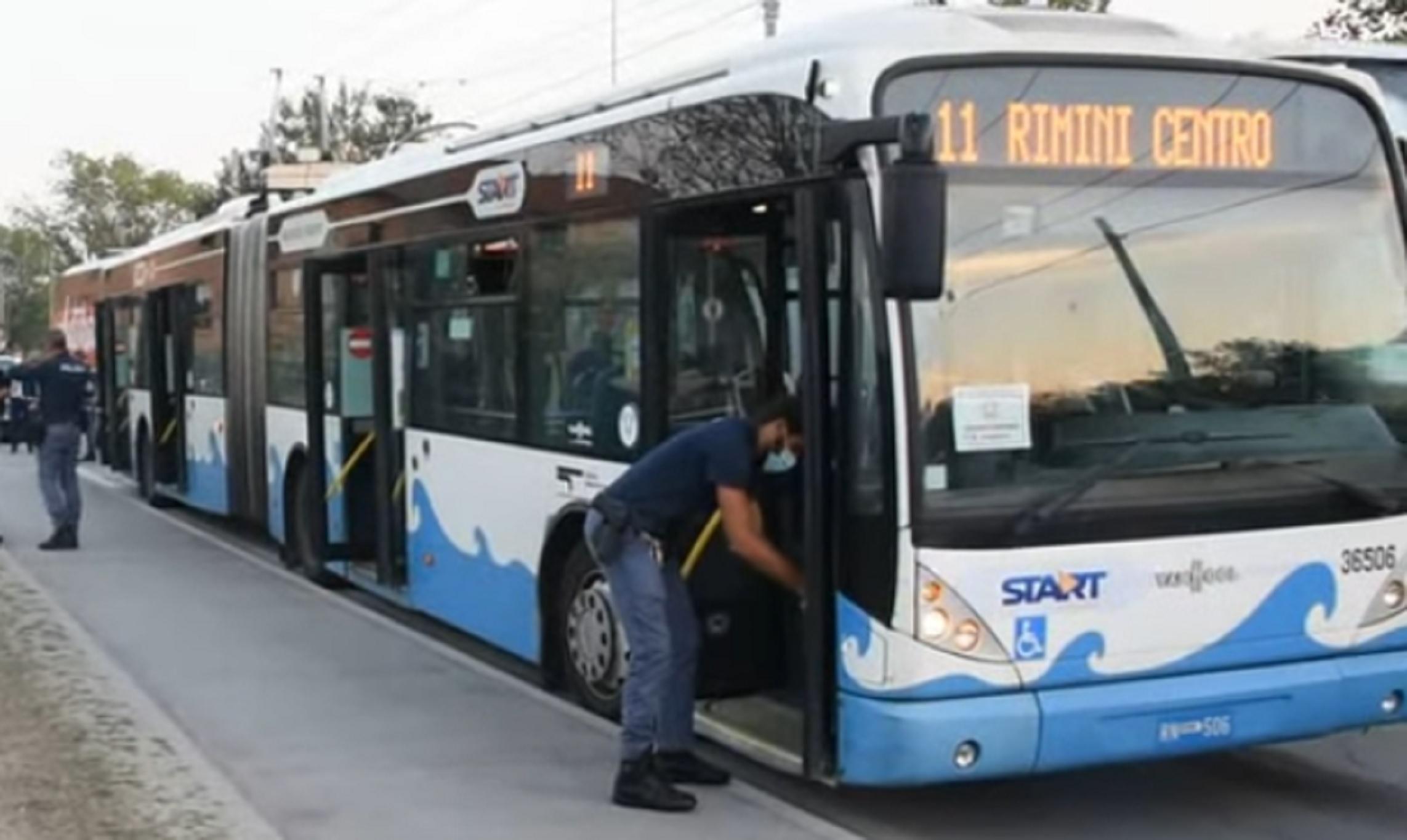 Ιταλία: Επιβάτης λεωφορείου σε αμόκ μαχαίρωσε 5 άτομα