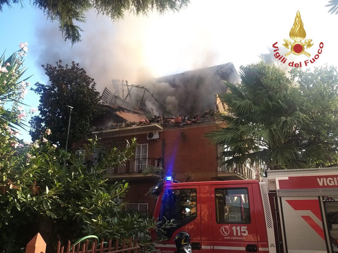 Έκρηξη σε πολυκατοικία στη Ρώμη με 3 τραυματίες: «Άναψα τσιγάρο και τινάχτηκαν όλα στον αέρα»