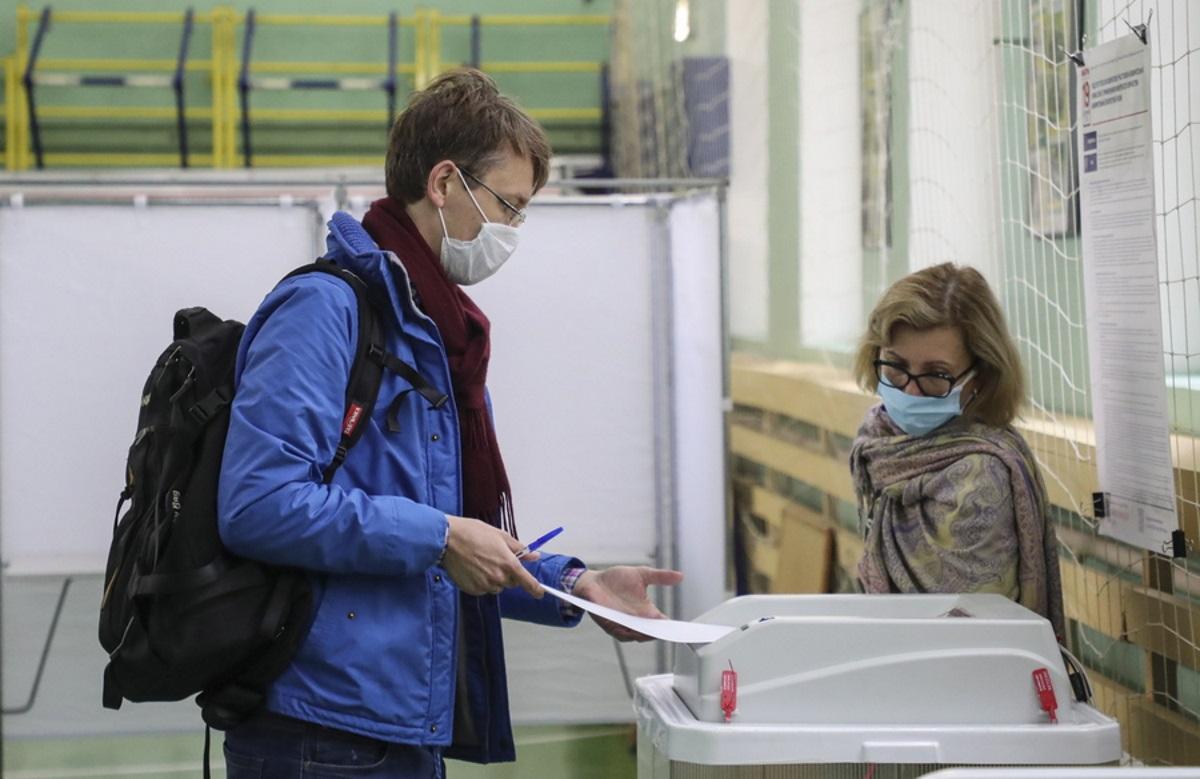 Ρωσία: Στις κάλπες οι Ρώσοι με αιχμές κατά Google και Apple
