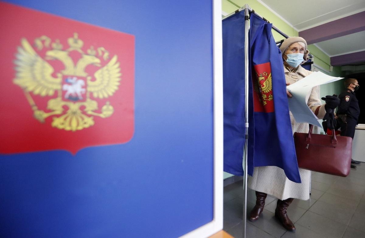 Εκλογές στη Ρωσία: Με καταγγελίες για νοθεία και εξαναγκασμούς κλείνουν οι κάλπες