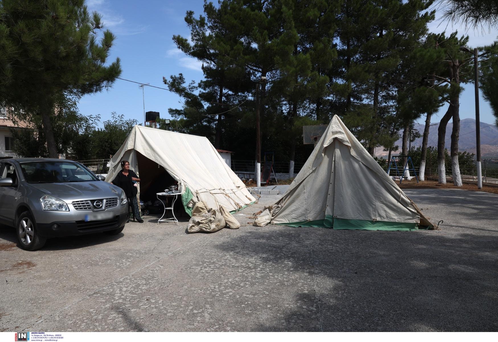 Σεισμός στην Κρήτη: Ζωή στις σκηνές για εκατοντάδες κατοίκους – Μετράνε πληγές και μετασεισμούς