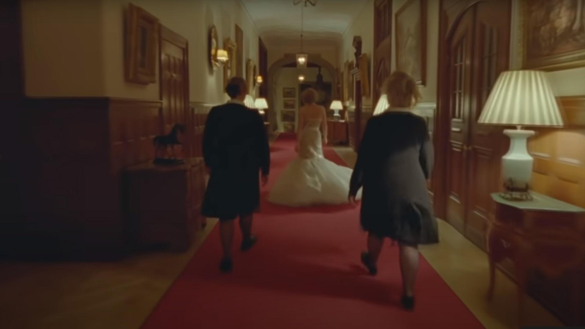 Πριγκίπισσα Νταϊάνα – Κρίστεν Στιούαρτ: Η ιστορία πίσω από το εμβληματικό φόρεμα της ταινίας
