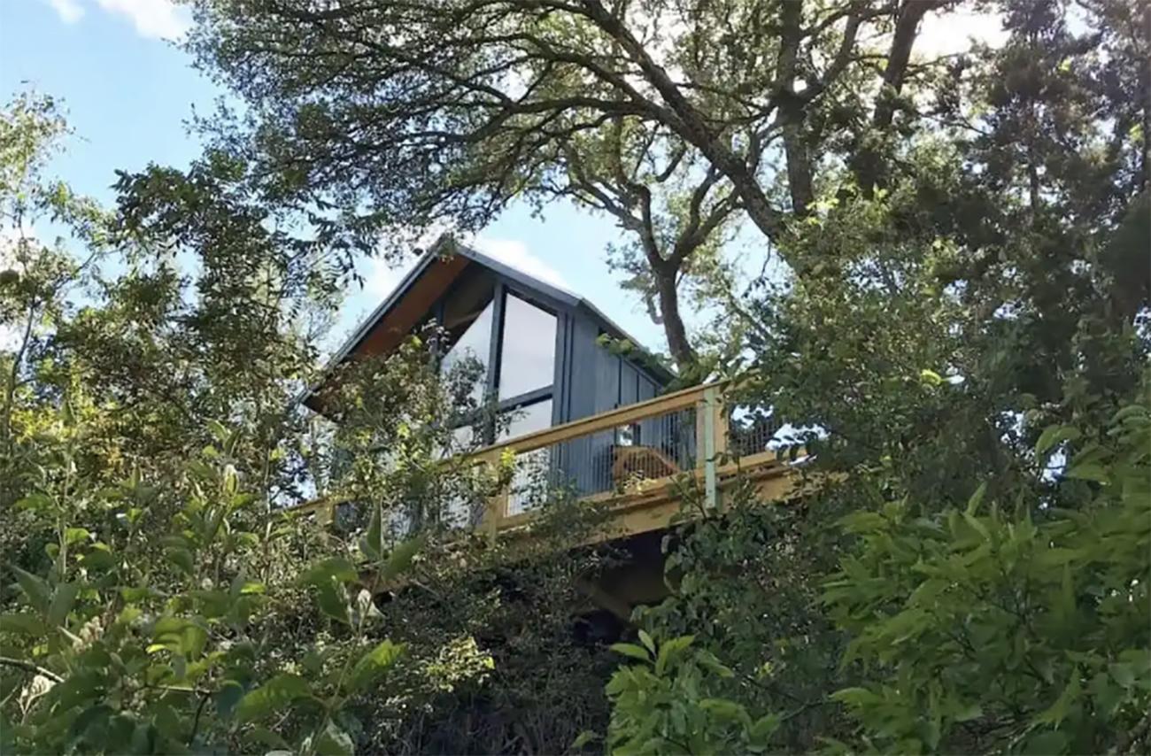 15 πανέμορφα ξύλινα σπίτια που μπορείτε να νοικιάσετε μέσω Airbnb