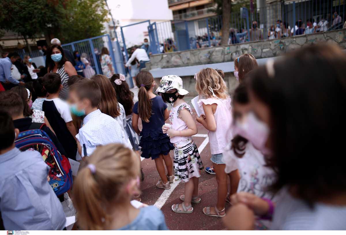 Κορονοϊός – Χρούσος: Τα φάρμακα μονοκλωνικών αντισωμάτων απλά θεραπεύουν – Επαρκή τα μέτρα στα σχολεία