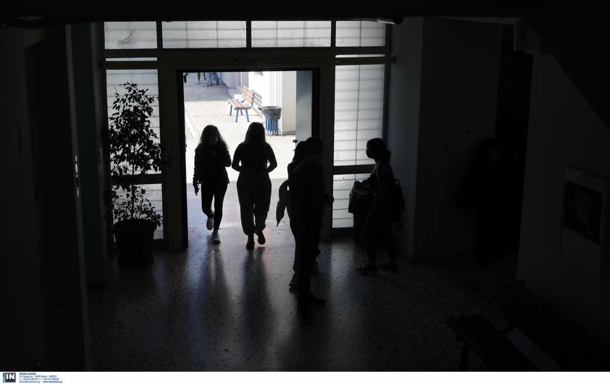 Ζέττα Μακρή για σχολεία: Θα κλείσουν μόνο αν το πουν οι ειδικοί