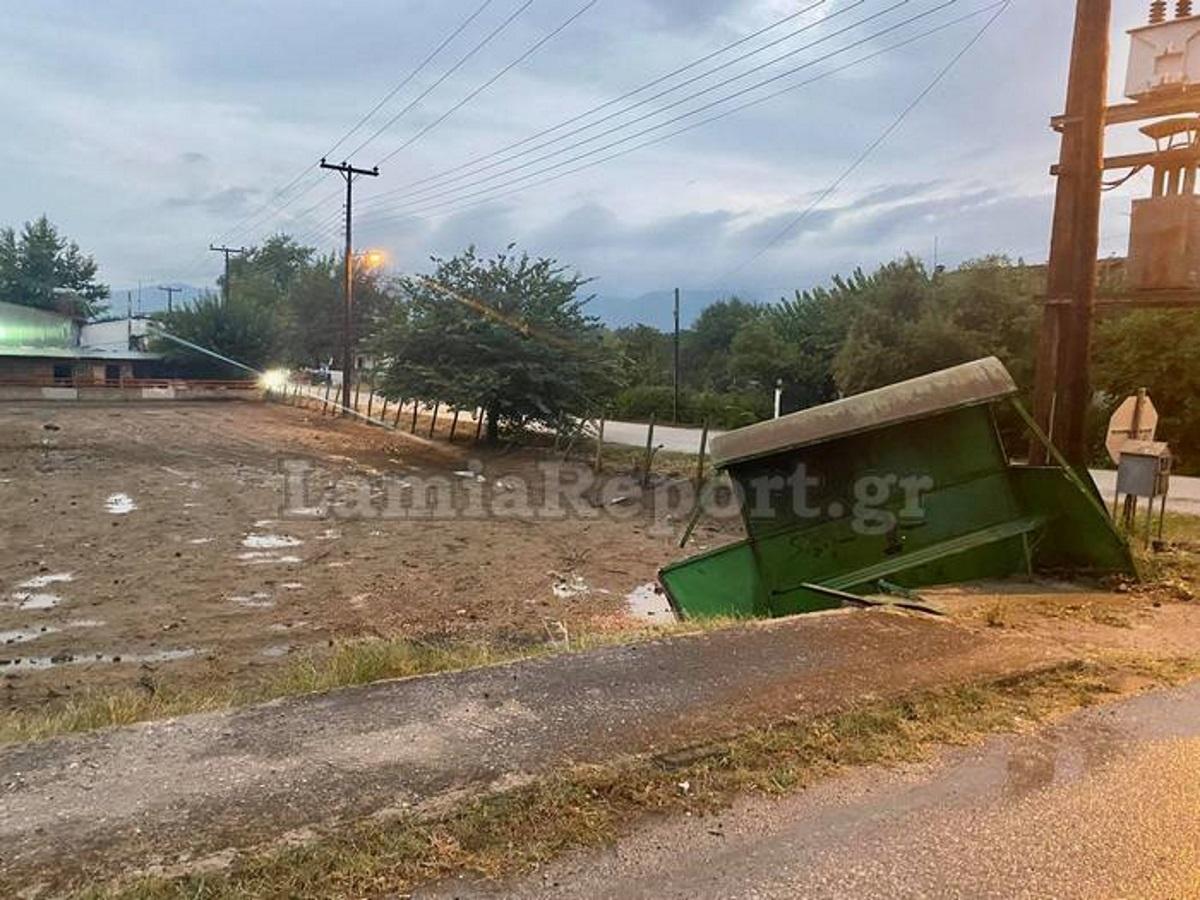 Φθιώτιδα: «Τρελή πορεία» τρακτέρ που κατέληξε σε στάση λεωφορείου
