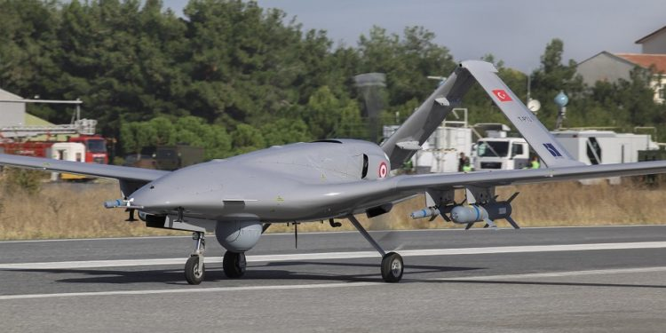 «Βόμβα» και από το Μαρόκο: Παρέλαβε τα πρώτα drones τύπου TB2 Bayraktar