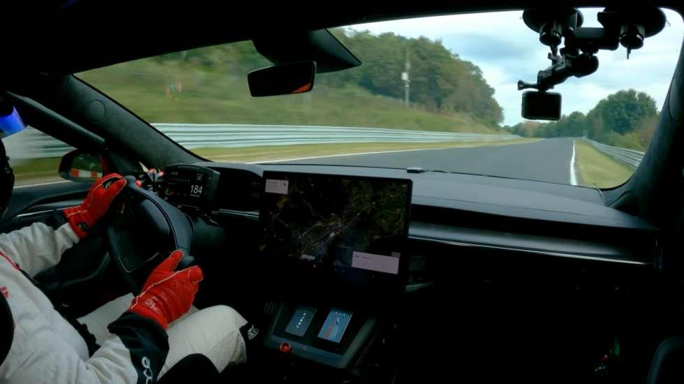 Η Tesla συνέτριψε το ρεκόρ της Porsche στην θρυλική πίστα του Nürburgring (video)