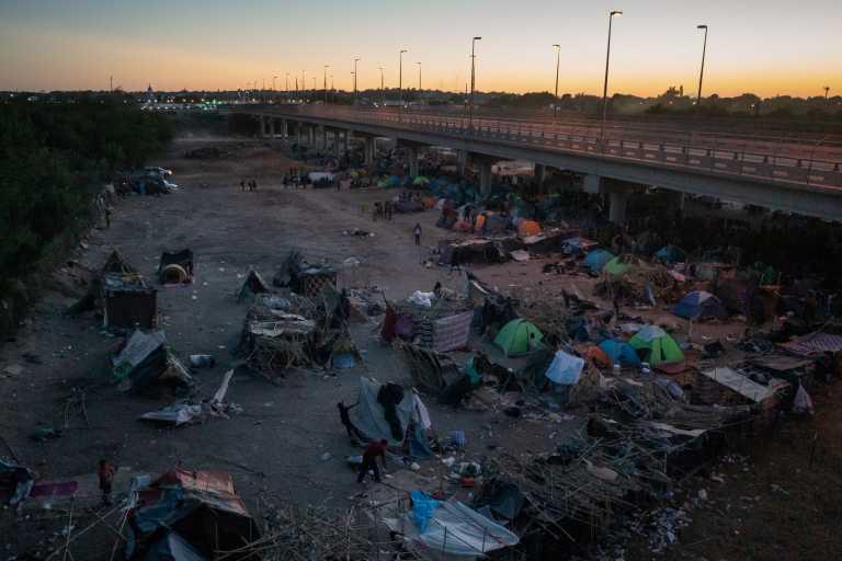 ΗΠΑ: Δεν υπάρχουν πια μετανάστες στον καταυλισμό στο Ντελ Ρίο του Τέξας