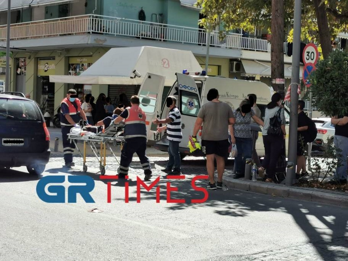 Θεσσαλονίκη: Σχολική τροχονόμος παρασύρθηκε από ΙΧ και μεταφέρθηκε στο νοσοκομείο