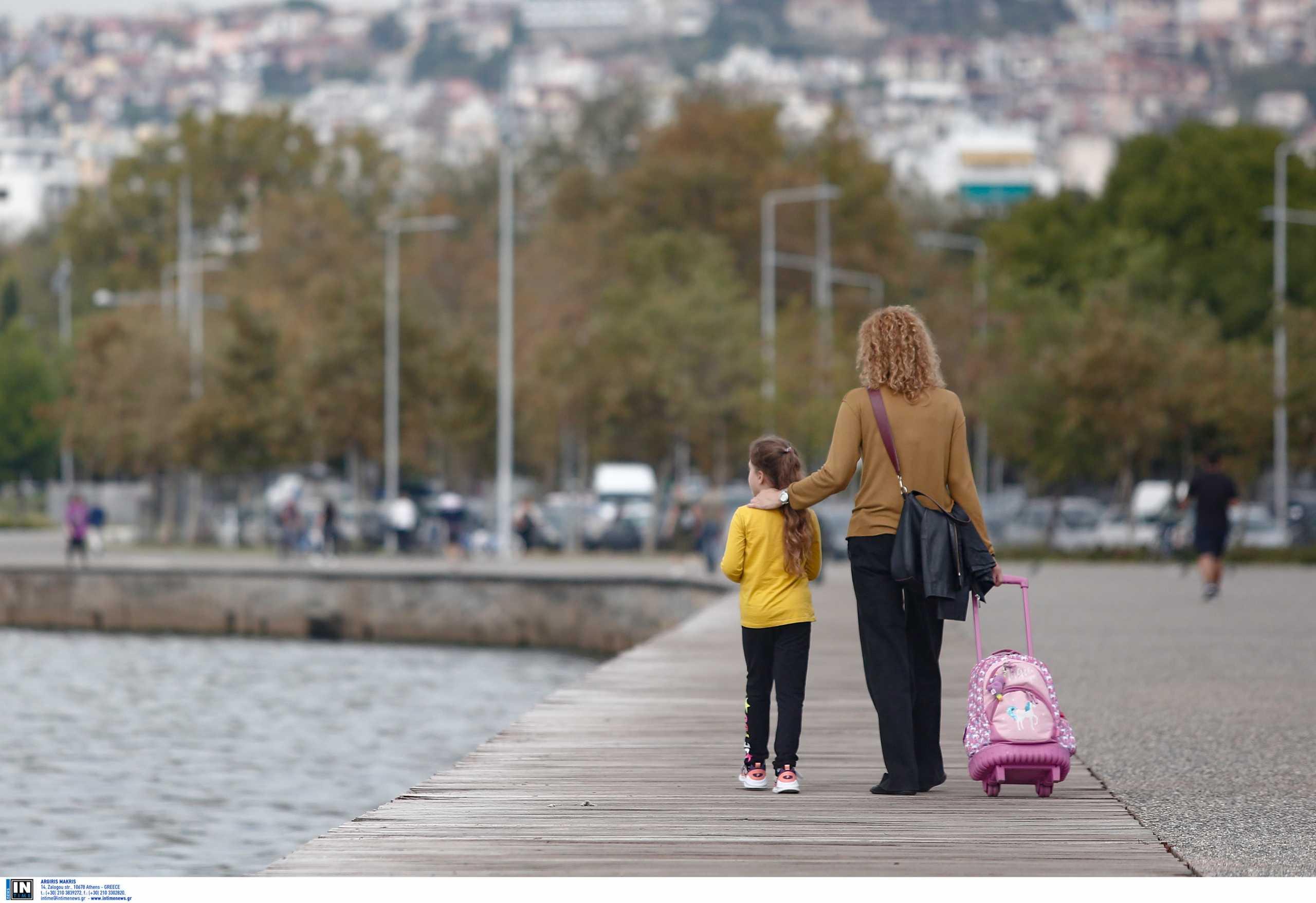 Κορονοϊός: Αγωνία για το ιικό φορτίο στη Βόρεια Ελλάδα – Δράμα, Καστοριά και Ξάνθη «φλερτάρουν» με lockdown