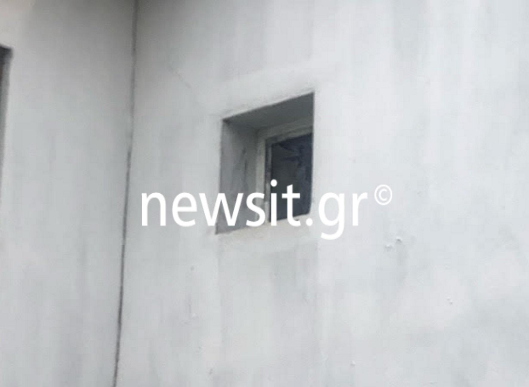 Θεσσαλονίκη: Μπήκε από αυτό το παράθυρο και την σκότωσε στο ξύλο – Αποκαλύψεις για το έγκλημα