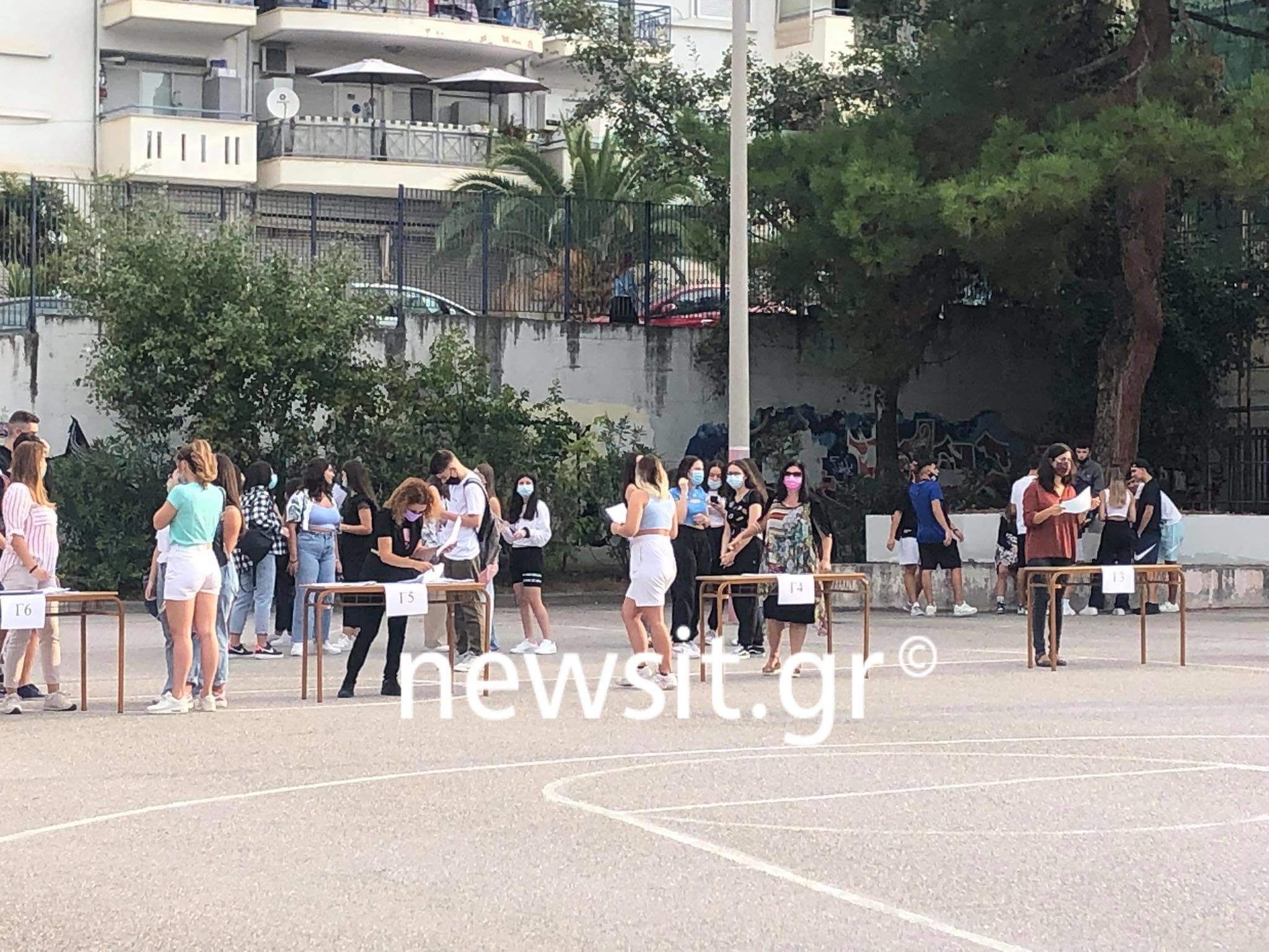 Σχολεία – Θεσσαλονίκη: Οι εικόνες από το πρώτο κουδούνι με self test, θερμομετρήσεις και παράπονα