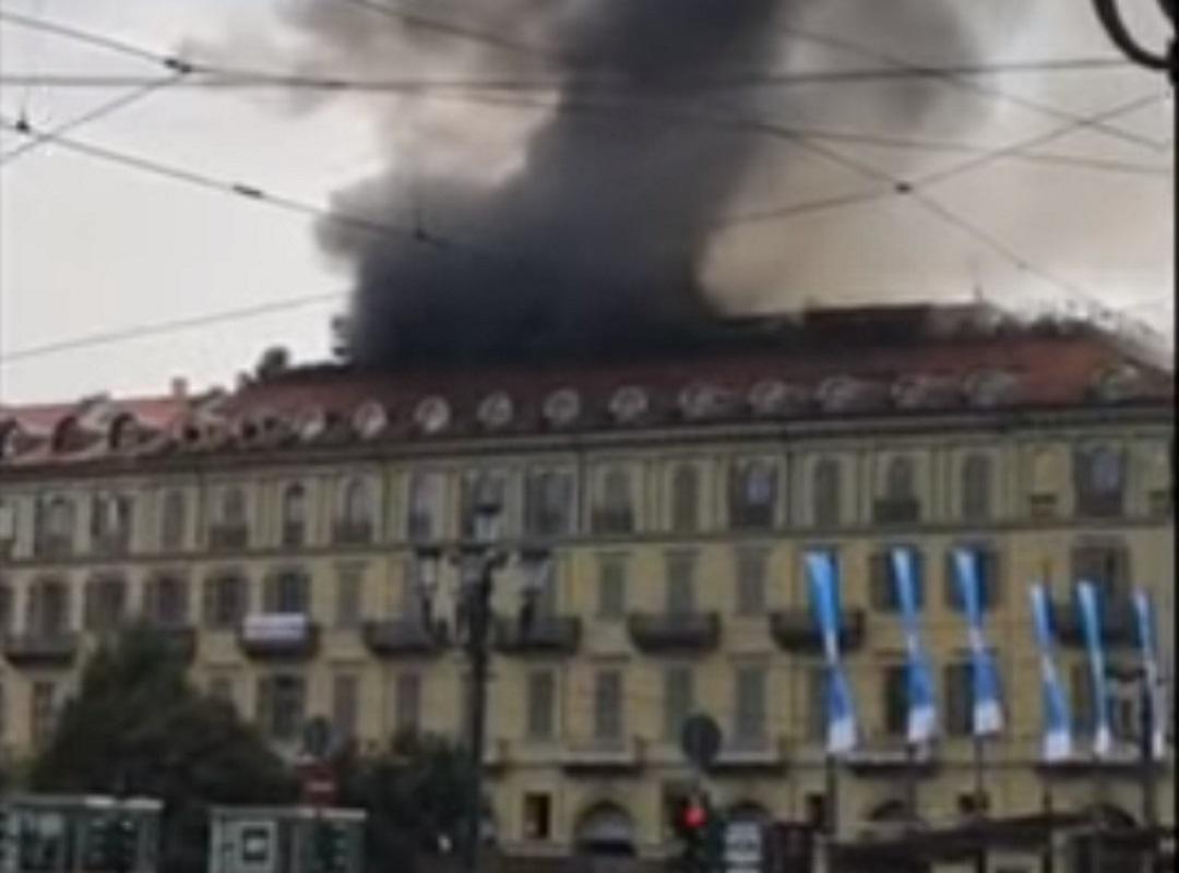Ιταλία: Φωτιά σε κτίριο στο κέντρο του Τορίνο – Πέντε τραυματίες