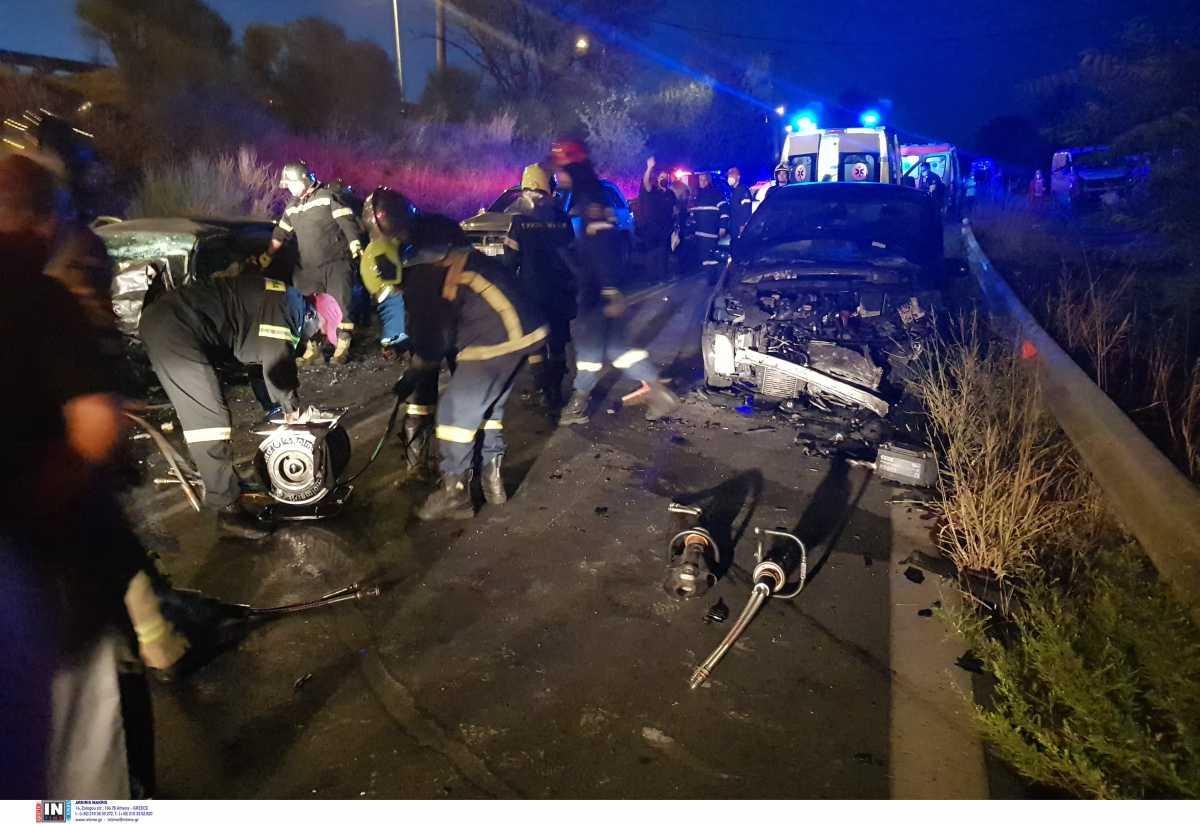 Πριν Λίγο-Δυστύχημα στον Άγιο Στέφανο: Ένας νεκρός κι ένας βαριά τραυματίας - «Σμπαράλια» τα οχήματα