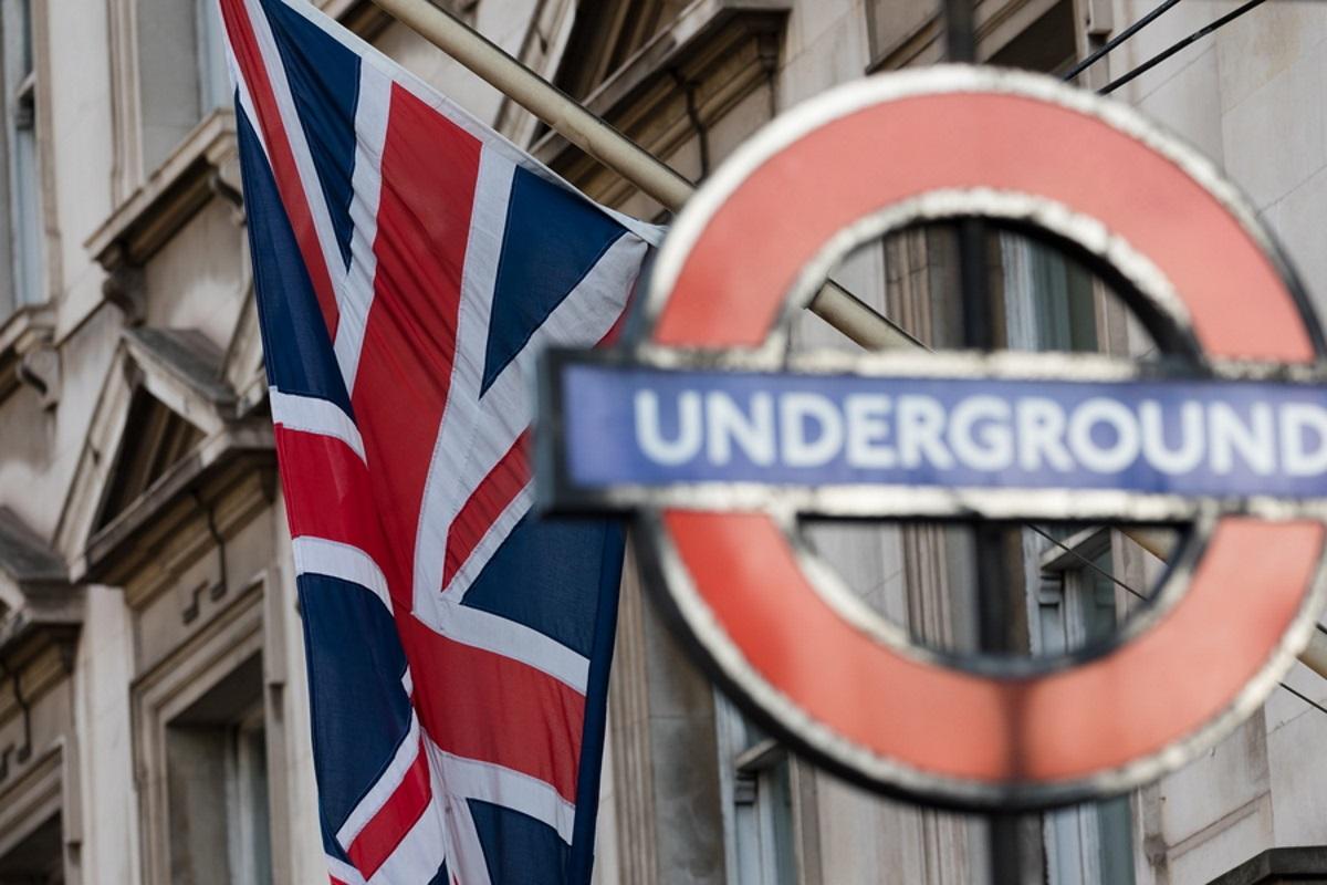 Λονδίνο: Πέφτουν από τις κυλιόμενες γιατί αρνούνται να πιαστούν από την κουπαστή