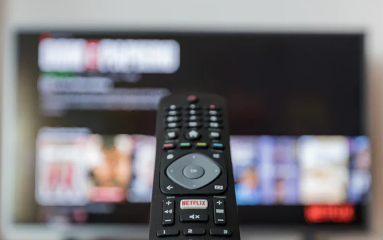 Οδηγός TVs 3+1 τηλεοράσεις για κινηματογραφικές προβολές