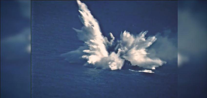 «Κόπηκε στα δύο» το USS Ingraham – Εντυπωσιακό βίντεο από βύθιση φρεγάτας των ΗΠΑ