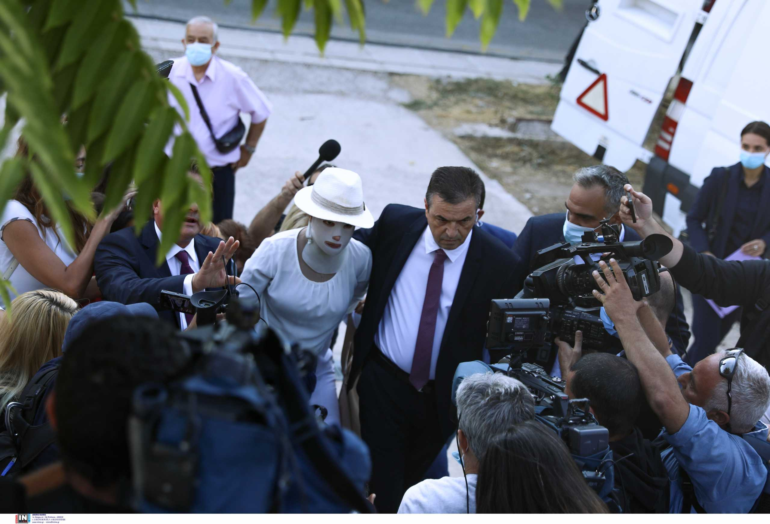 Επίθεση με βιτριόλι: Η δράστις ζητά αλλαγή των κατηγοριών – Τα λόγια του Σάκη Κεχαγιόγλου για την Ιωάννα