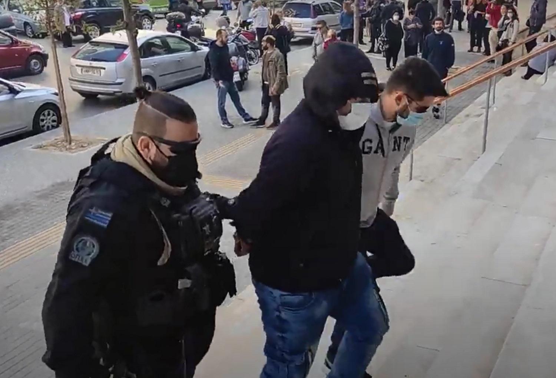 Θεσσαλονίκη: Στον εισαγγελέα ο 30χρονος που επιτέθηκε σε μέλη της ΚΝΕ στην Ηλιούπολη