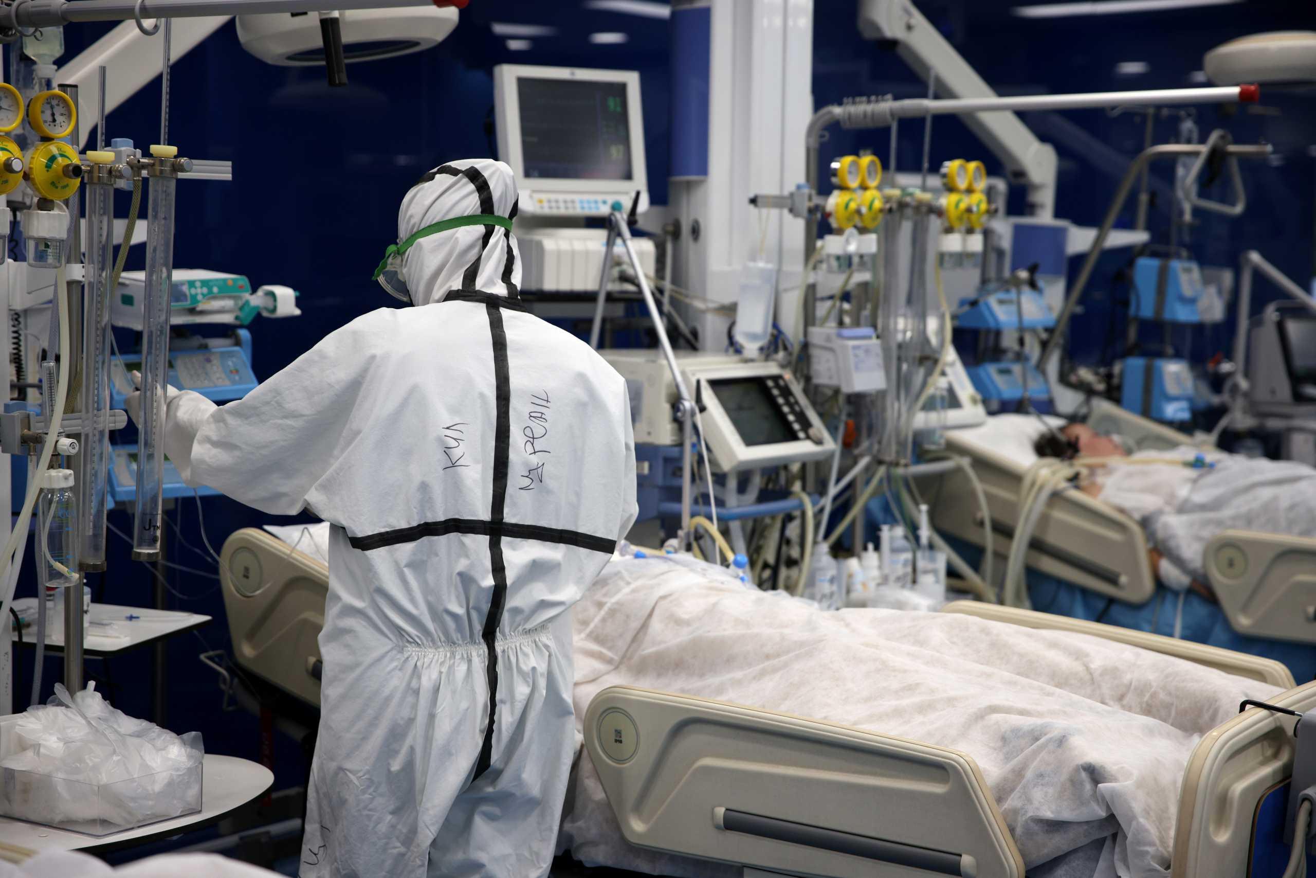 Κορονοϊός: Πάνω από 4.000 τα κρούσματα σήμερα Τρίτη 26/10 - NewsIT