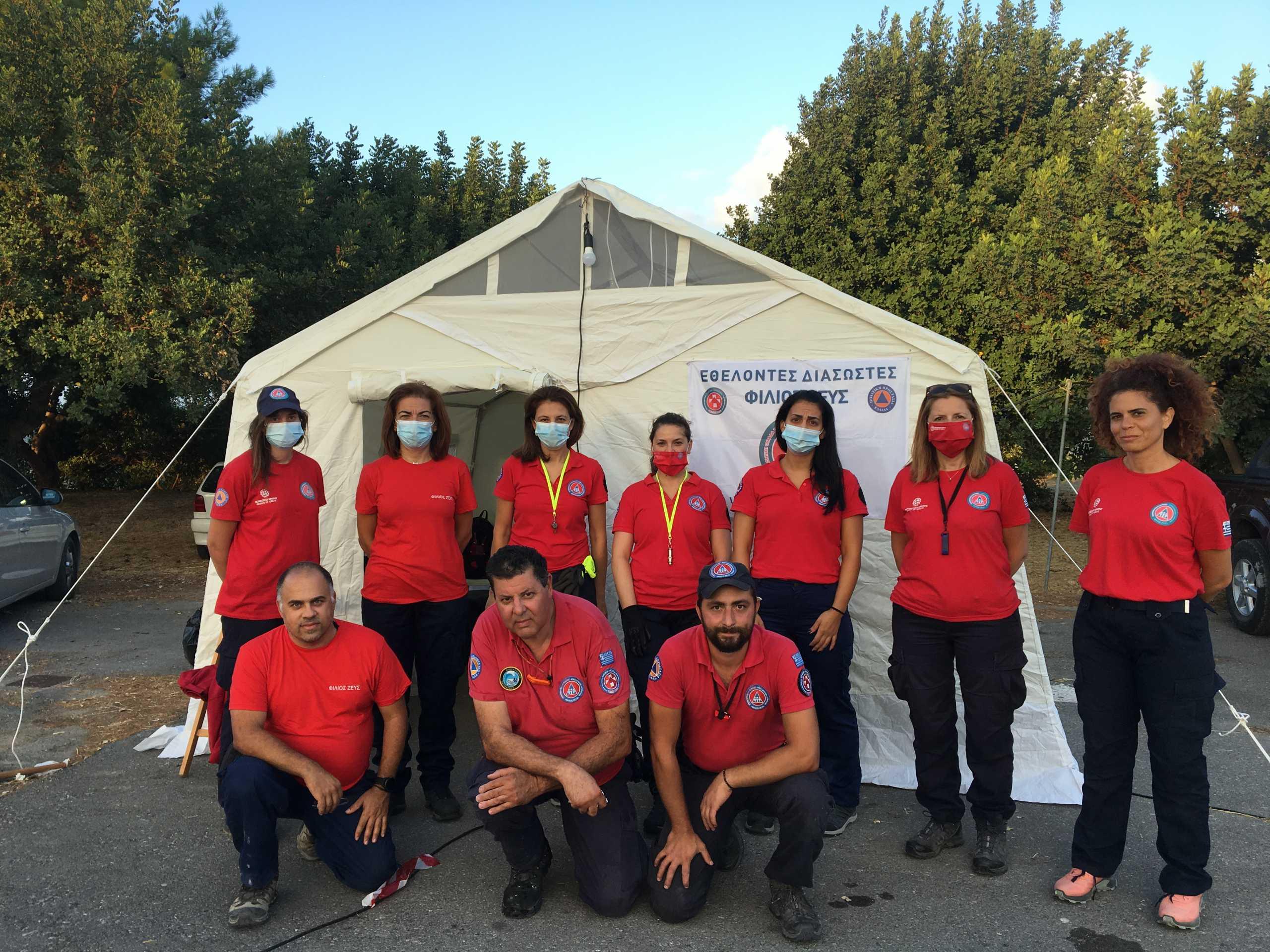 Σεισμός στην Κρήτη: Γνωρίστε την ομάδα εθελοντών που βρίσκεται δίπλα στους σεισμοπαθείς