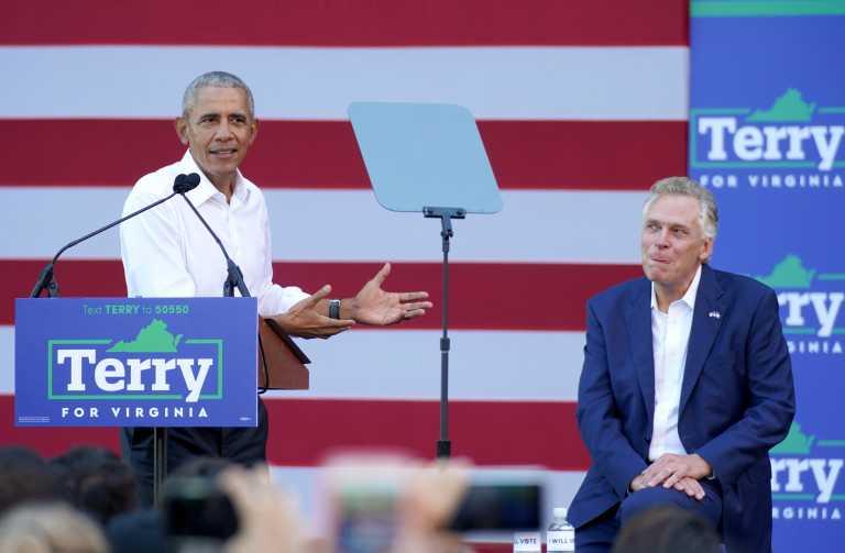 ΗΠΑ: Ο Μπαράκ Ομπάμα κάνει εκστρατεία για τον υποψήφιο κυβερνήτη της Βιρτζίνια