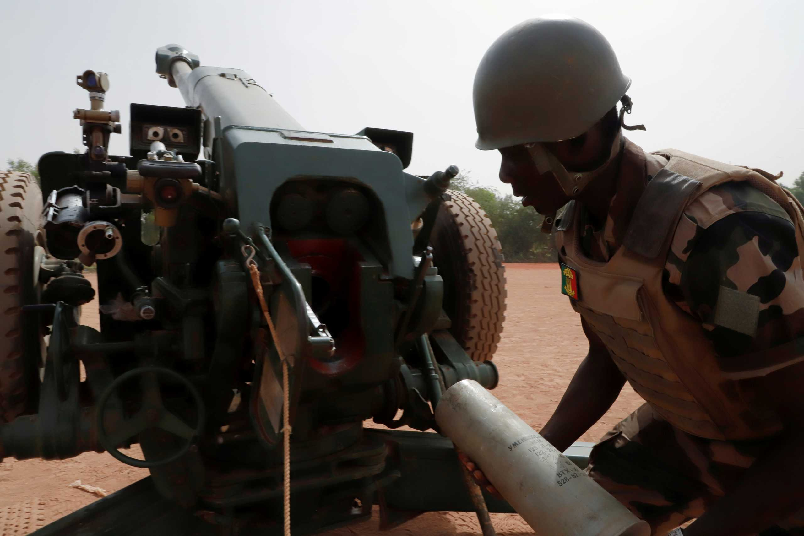 Μάλι: Παρέλαβε ελικόπτερα, πυρομαχικά και όπλα από τη Ρωσία…με φόντο μισθοφόρους!