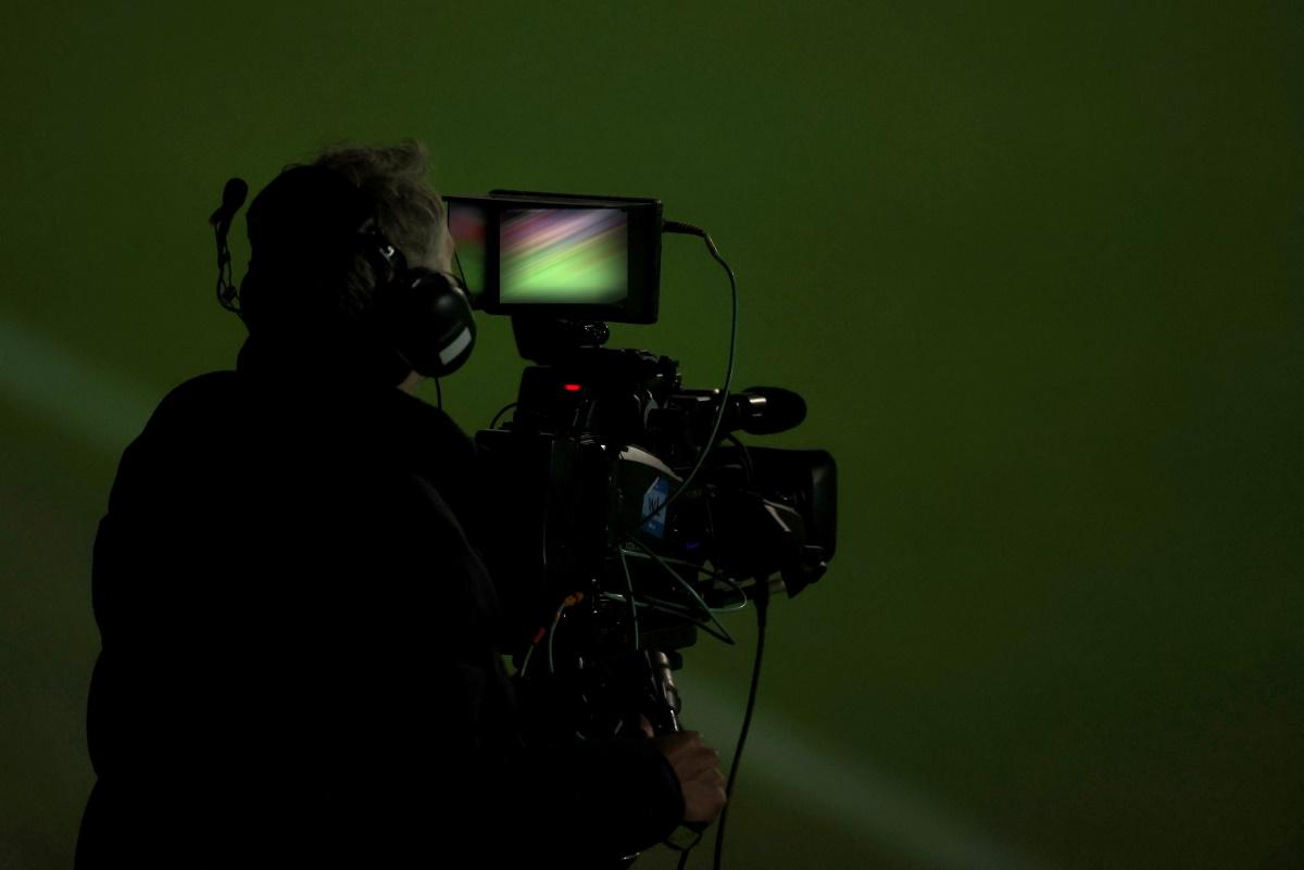 Έρχεται η πρώτη απεργία κινηματογραφιστών στο Χόλιγουντ – Δεκάδες παραγωγές κινδυνεύουν να τιναχτούν στον αέρα