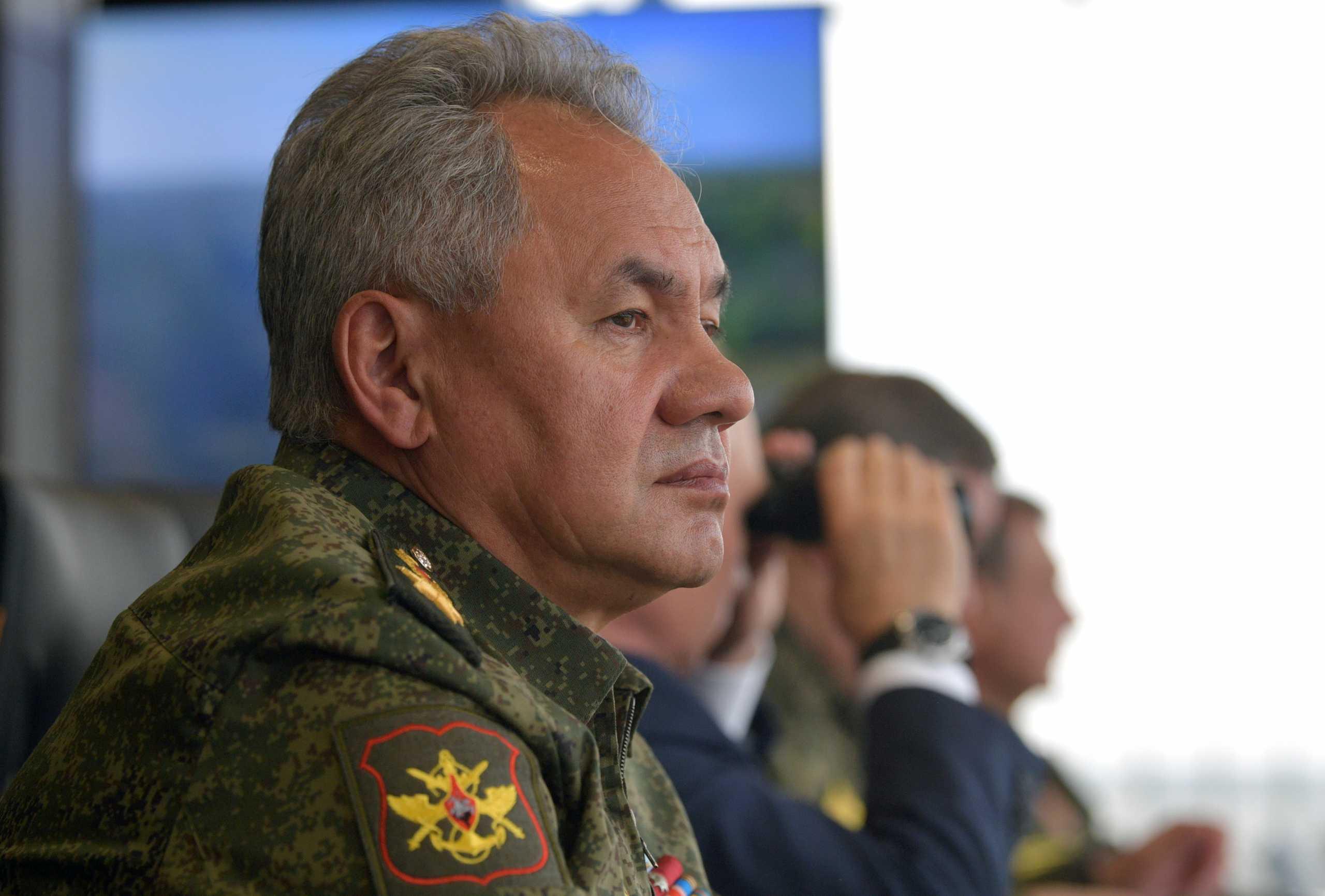 Έξαλλος ο Ρώσος Υπουργός Άμυνας: Άγημα παρέστη στο γάμο απογόνου των Ρομανόφ!