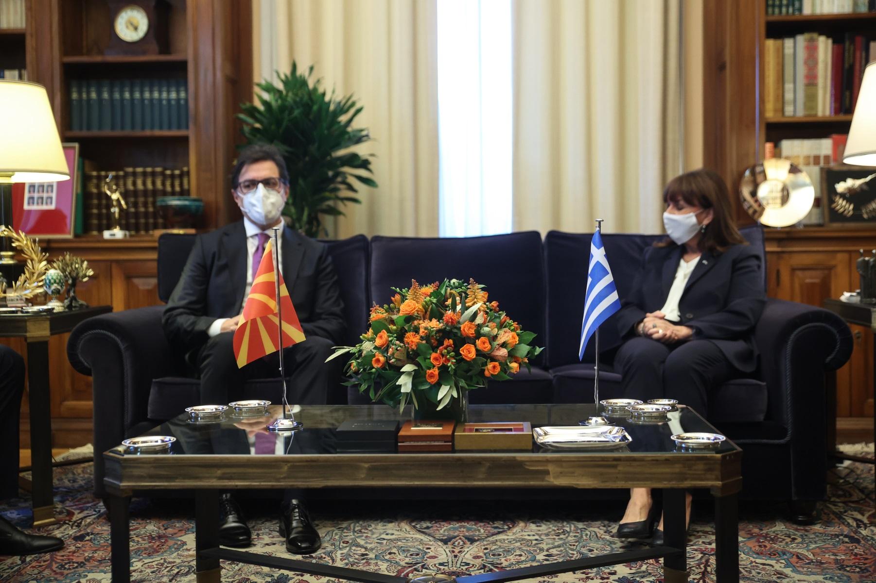 Κατερίνα Σακελλαροπούλου σε Στέβο Πενταρόφσκι για Συμφωνία Πρεσπών: Κρίσιμη η συνεπής τήρησή της