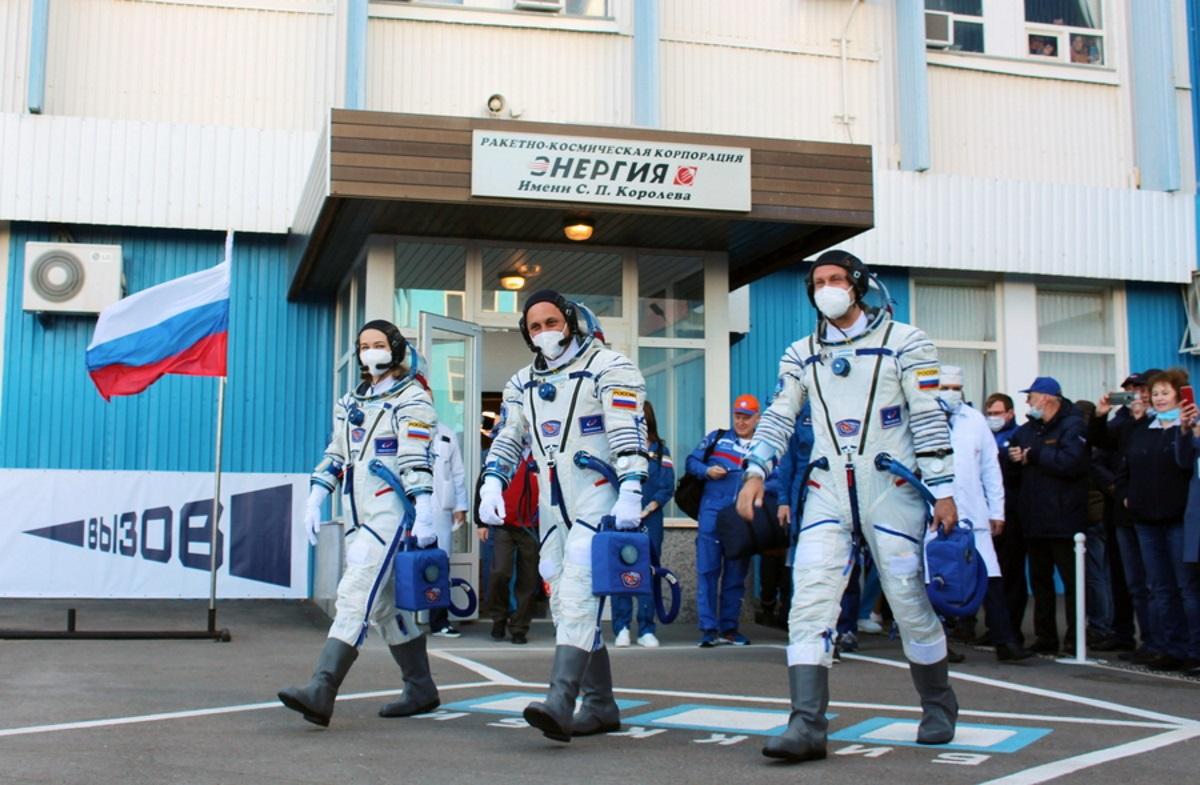 Οι Ρώσοι γυρίζουν ταινία στο Διάστημα και ανταγωνίζονται τον Τομ Κρουζ