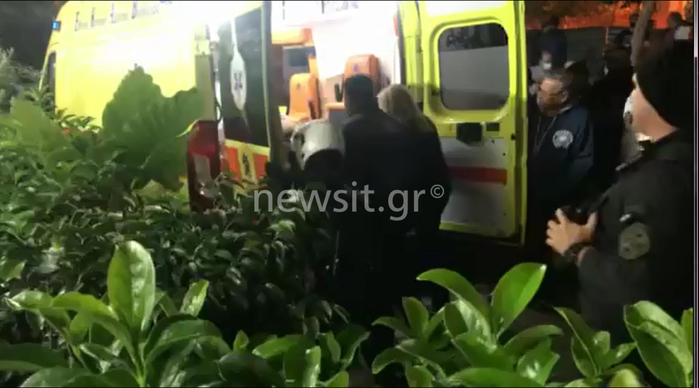 Άγιος Παντελεήμονας: Εικόνες από το σημείο της δολοφονικής επίθεσης – Ένταση κατά την αποχώρηση του ασθενοφόρου