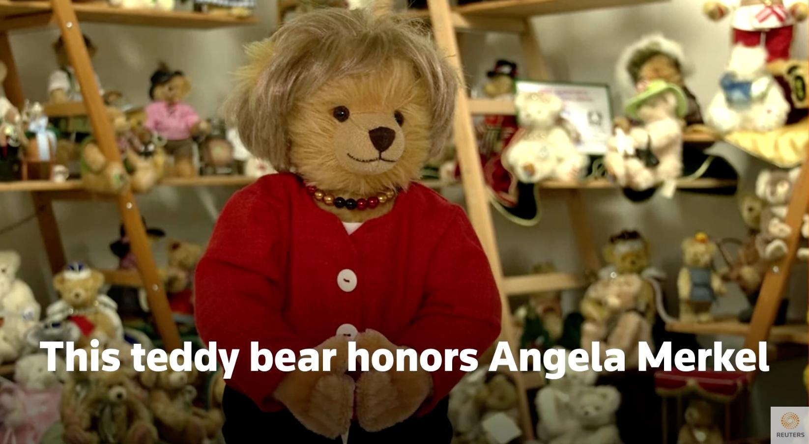 Η Άνγκελα Μέρκελ έγινε (και) λούτρινο αρκουδάκι