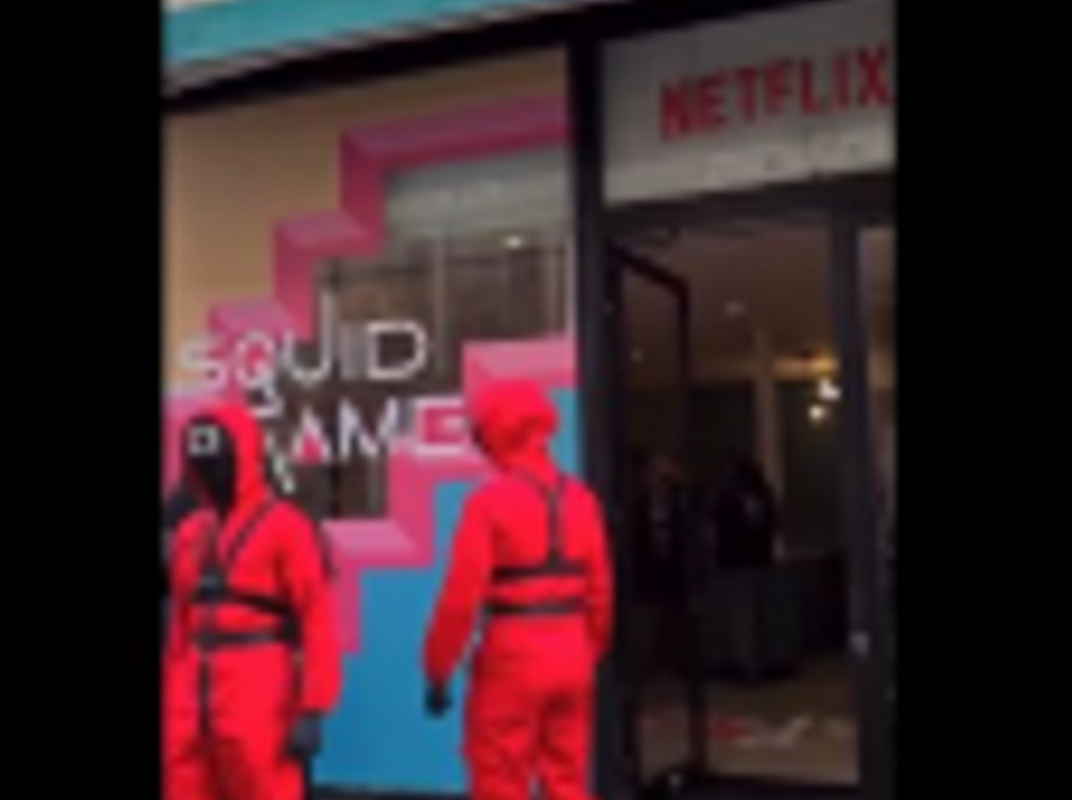Squid Game: Άνοιξε pop up καφέ της σειράς στο Παρίσι και ποδοπατήθηκαν για να παίξουν